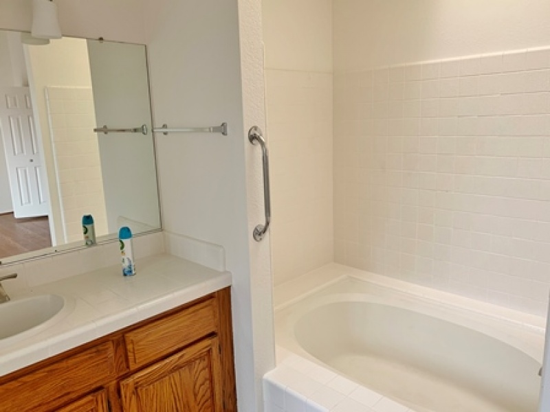 771 Calais Drive, Hollister, California 95023, 3 Bedrooms Bedrooms, ,2 BathroomsBathrooms,Home,For Rent,Calais Drive,1120