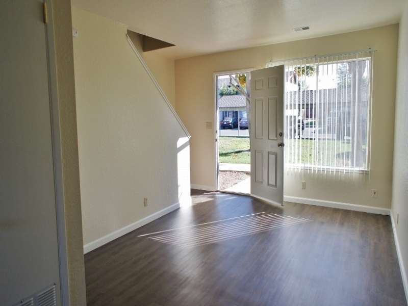 450 Tres Pinos Road #19, Hollister, California 95023, 2 Bedrooms Bedrooms, ,1 BathroomBathrooms,Apartment,For Rent,Tres Pinos Road #19,1051